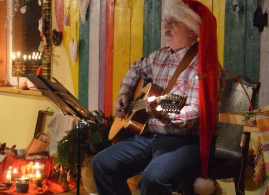 Jõulupeol esineja päkapikk